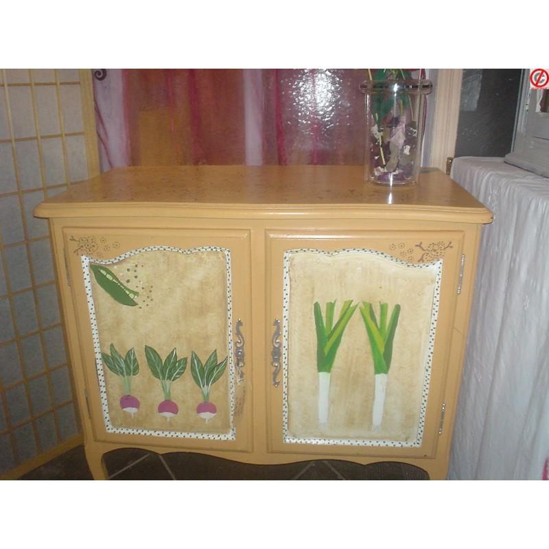 Meuble peint sarah landais dralowska artisanat rural for Meuble peint